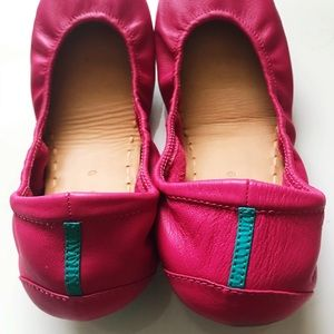 Tieks Shoes - Fuchsia Tieks Flats